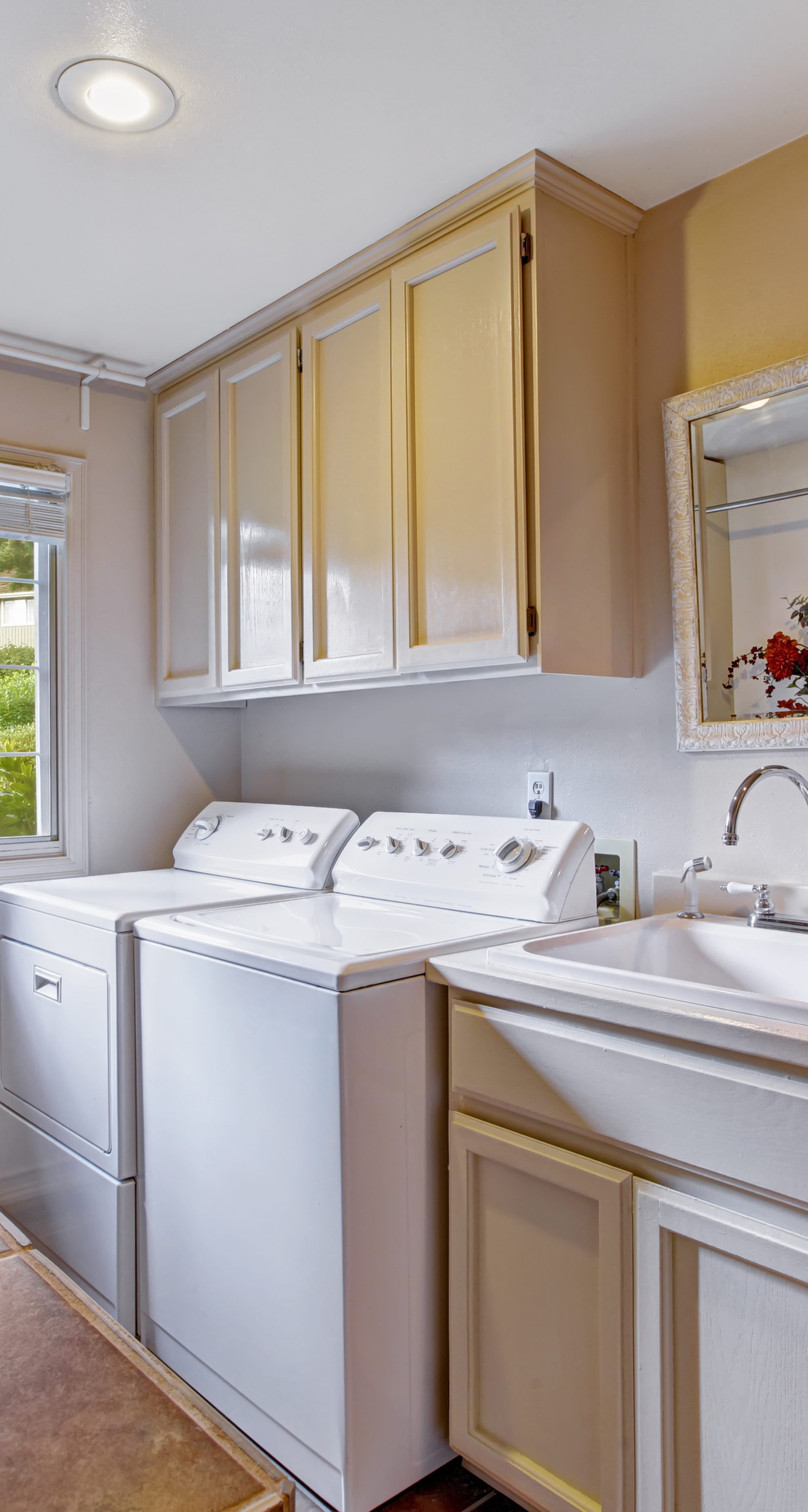 Admirable Laundry Room With Standard Appliances Jm Kitchen And Bath Best Image Libraries Thycampuscom